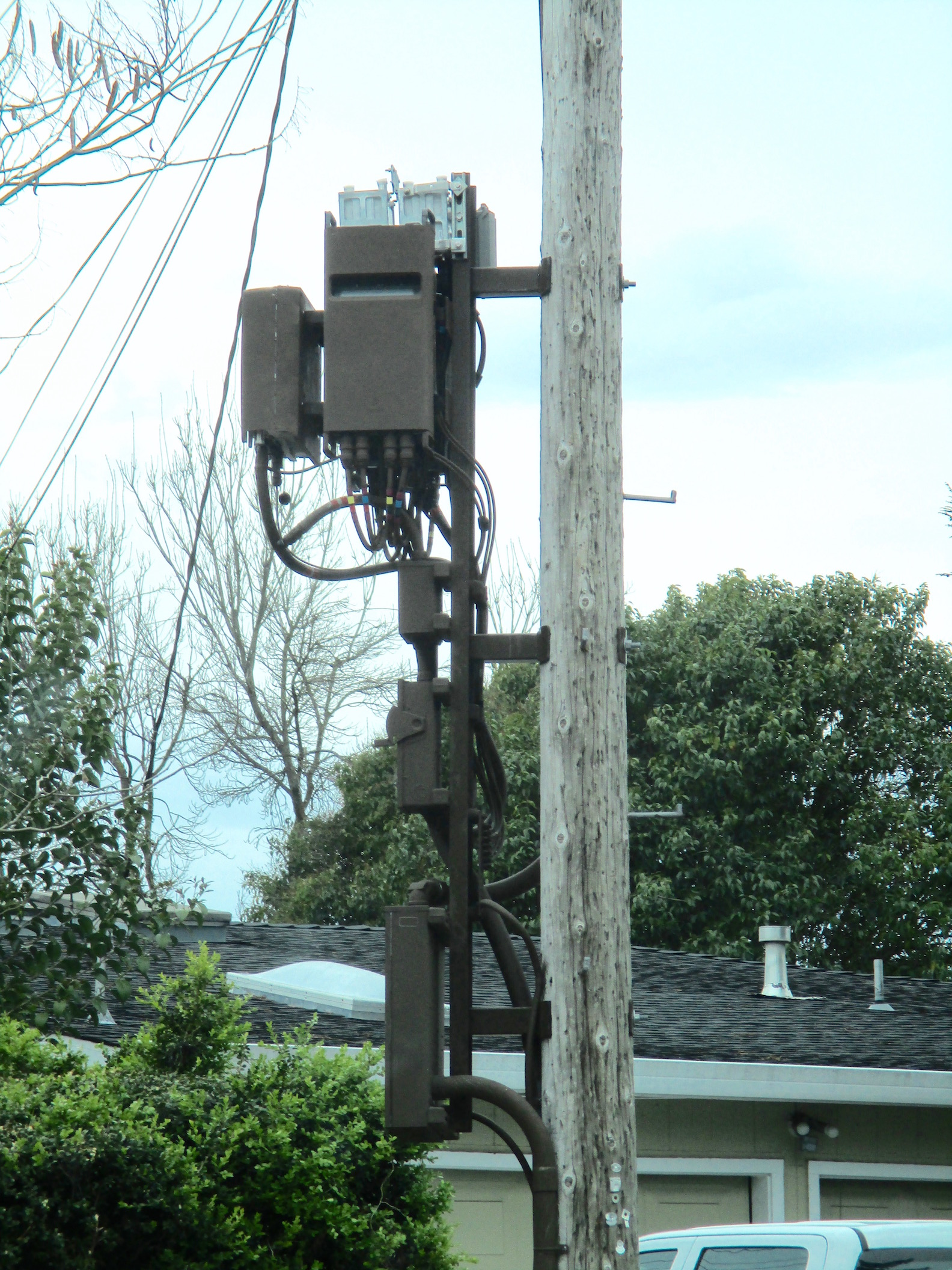 "How to oppose 5G ""small cell"" towers – EMF Safety Network"